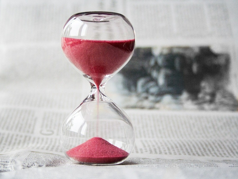 klepsydra odmierzajaca czas