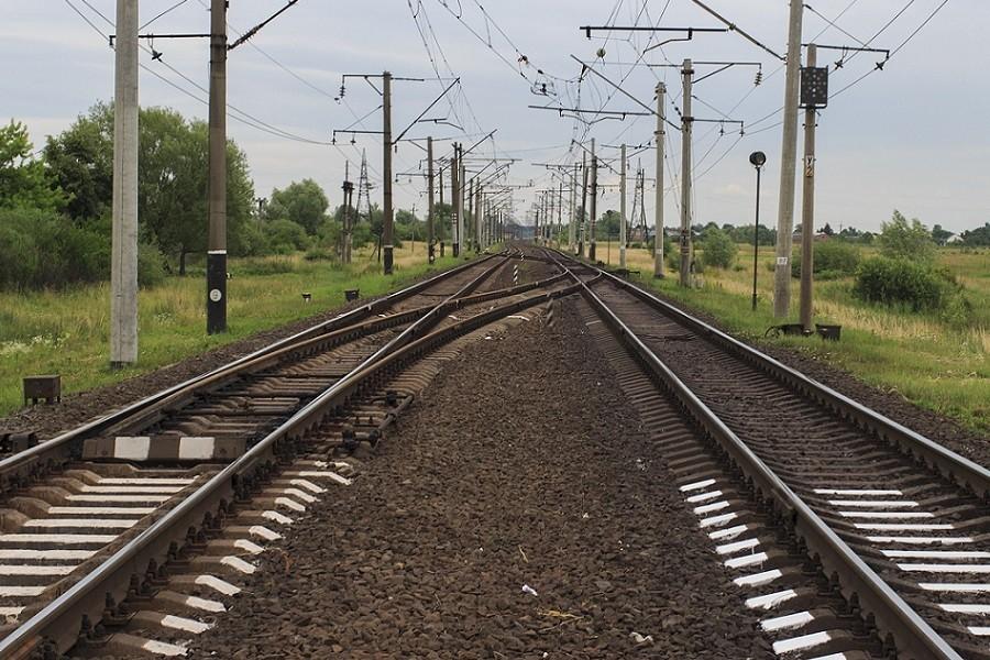 równoległe linie kolejowe