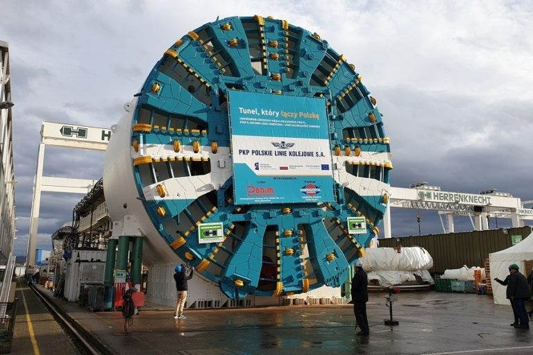 The largest rail tunnel tunnelling shield will go to Lodz