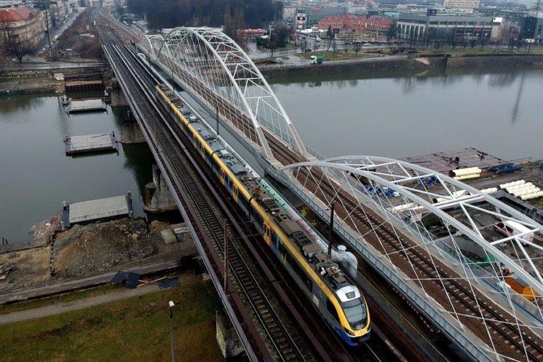 Kraków: Obok mostów kolejowych będzie kładka pieszo-rowerowa nad Wisłą