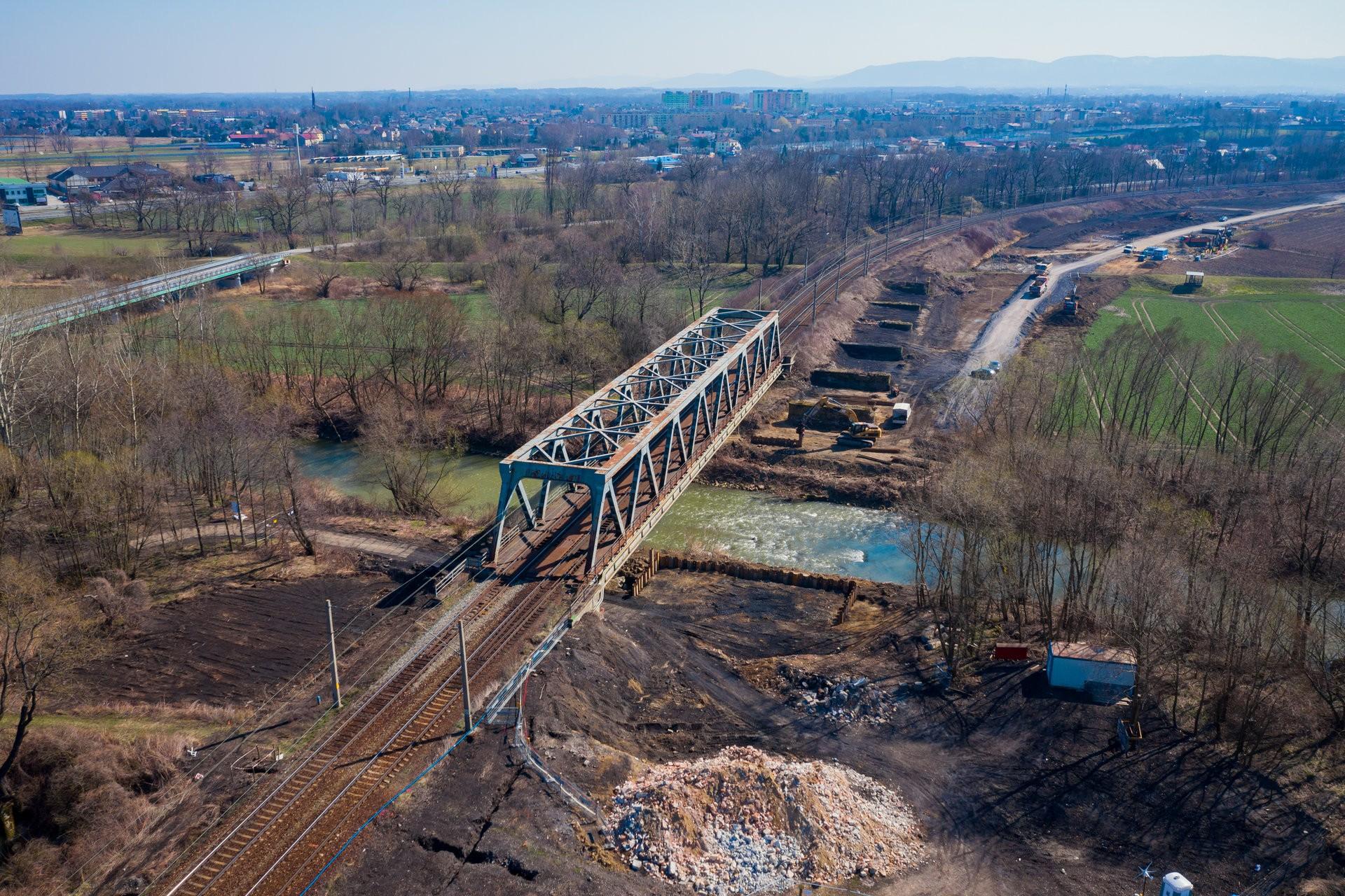 most kolejowy w remoncie