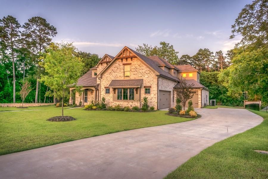 dom jednorodzinny z ogrodem