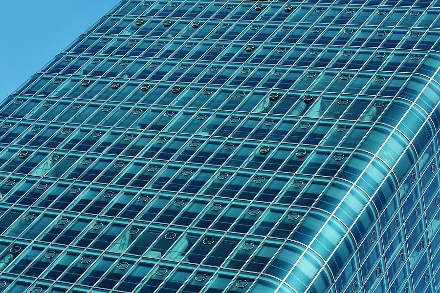szklana elewacja biurowca