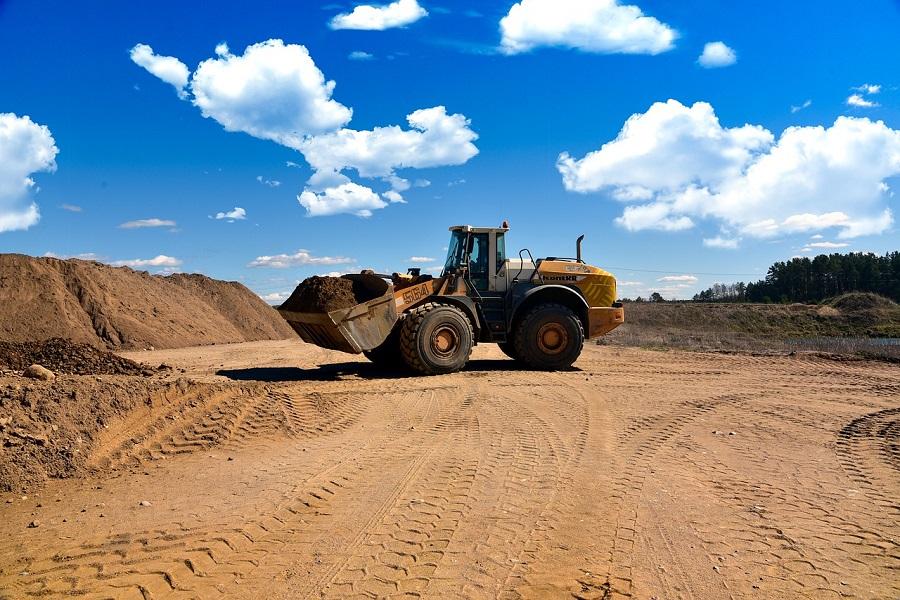 prace ziemne przy budowie autostrady