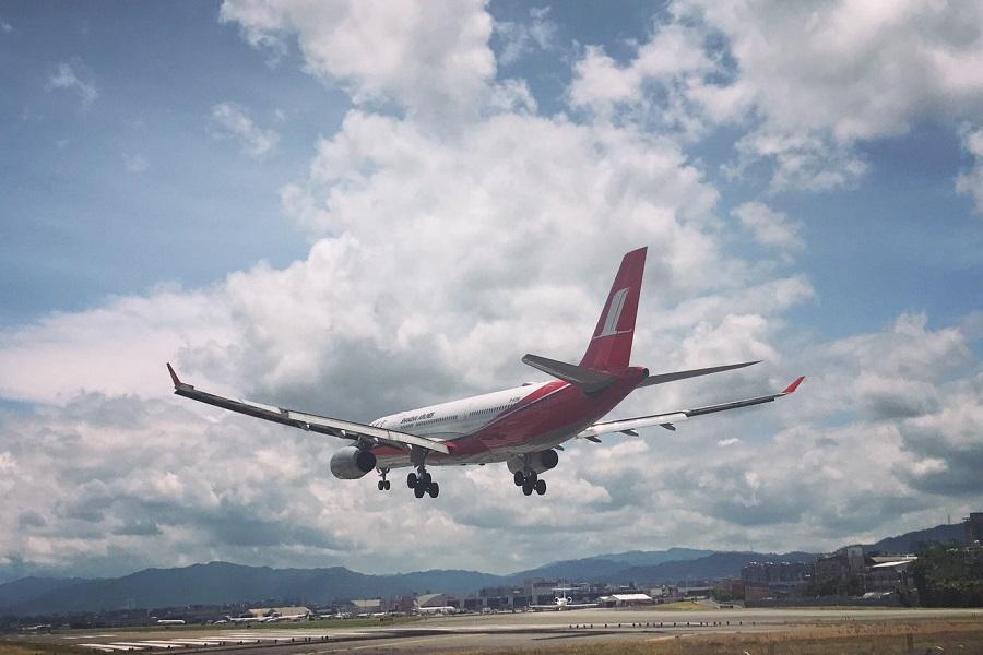 samolot ląduje