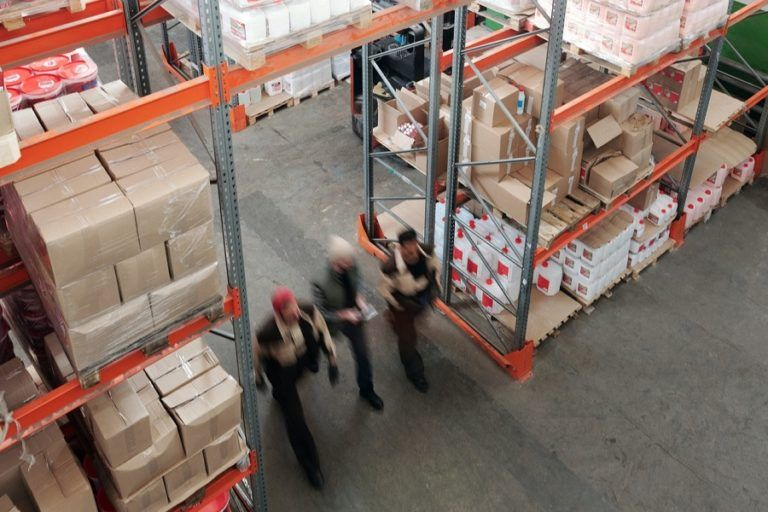 60% of logistics companies are planning major investments this year. In retail and production only one in three