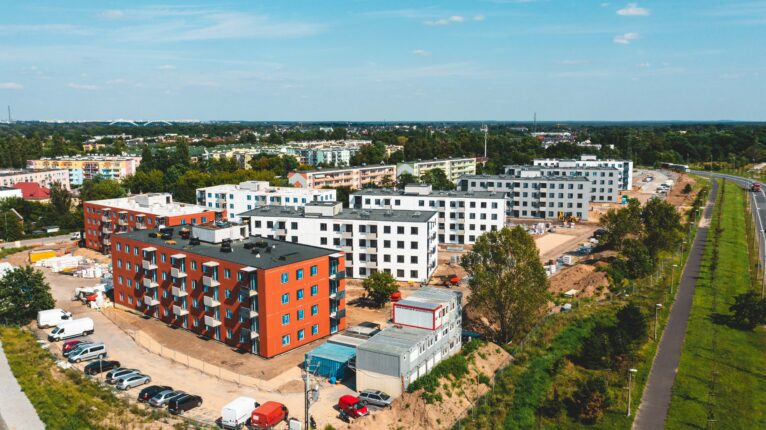 Osiedle mieszkaniowe z prefabrykatów wybudowane w Toruniu